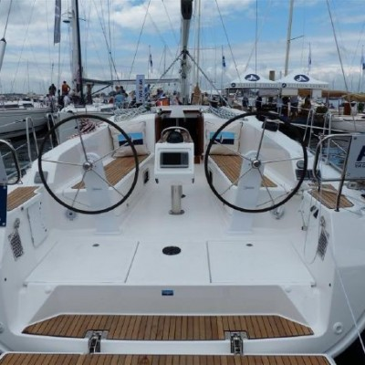Bavaria 41 new model back